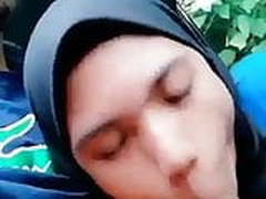 Indonesian hijab blowjon