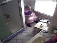 Step Mom Caught on Bathroom Spycam Peeing Showing Ass